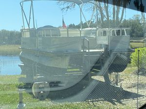 2009 Bentley pontoon w/trailer for Sale in Spring Hill, FL