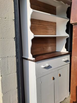 End table/hutch cabinet for Sale in Nashville, TN
