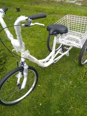 Brand new Komodo adult tricycle with 6 speeds for Sale in SeaTac, WA