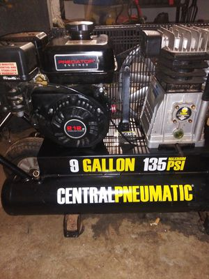 Central Pneumatic gas powered compressor for Sale in Lawrenceville, GA
