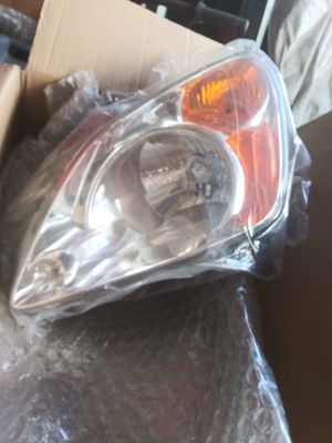 02-04 Honda CR-V Front headlights for Sale in Los Angeles, CA
