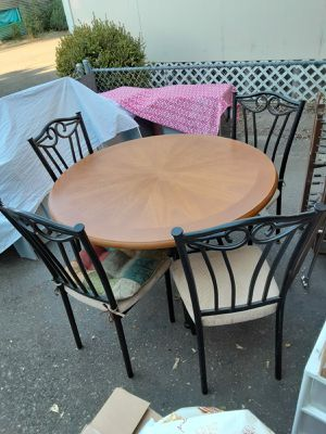Dining Table with 4 chairs for Sale in Lakeport, CA