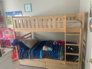 Bunk bed with 2 pull out Drawers for Sale in Sacramento, CA