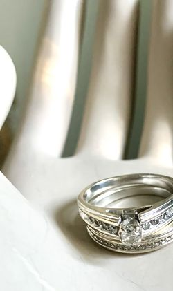 Engagement Wedding 2 Band ring set with 27genuine diamonds (approx 0.50ctw) set in 14k solid white gold (Size 8 ) for Sale in Mountain View,  CA