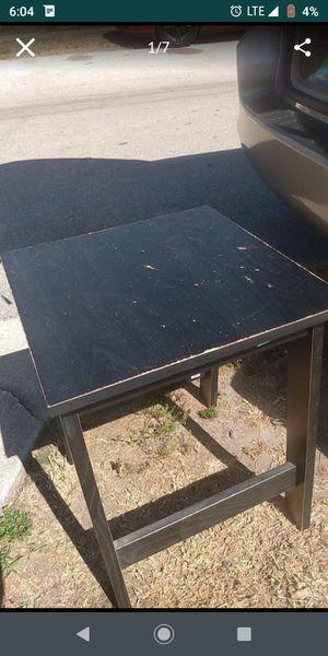 Small table for Sale in Orlando, FL
