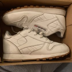 Classic Reebok for Sale in Lynwood,  CA