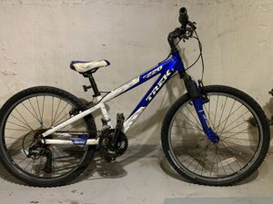 Trek MT220 Mountain Bike for Sale in Oak Park, IL