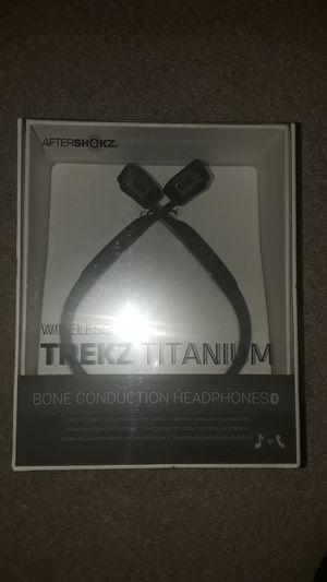 Aftershokz brand Trekz bone conduction wireless headset for Sale in Redlands, CA