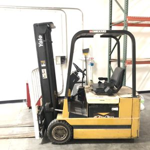 Yale Forklift Electric 36v Only Has 600 Hours Orig for Sale in Westminster, CA