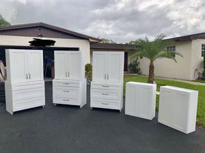 WHITE SHAKER KITCHEN CABINETS. for Sale in Miami, FL