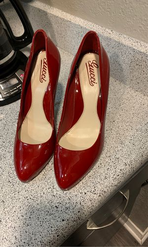 Gucci red pumps size 8.5 for Sale in Fort Worth, TX