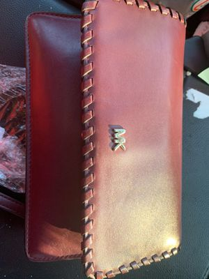 Michael kors crossbody for Sale in Vancouver, WA