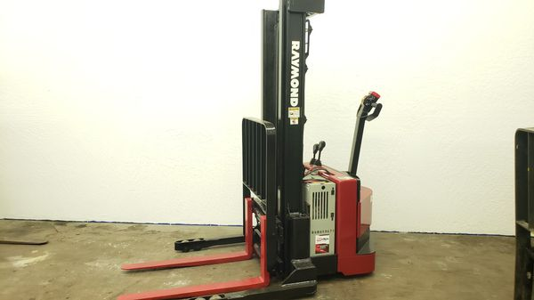 2007 Raymond RSS40 Electric Stacker Forklift