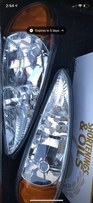 99-05 Pontiac grand am headlights for Sale in Parkersburg, WV