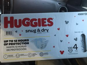 Huggies diapers snug & dry sizes 4 (100ct) & 5 (88ct) for Sale in Groveport, OH