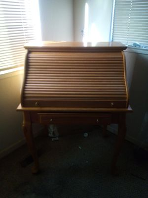 Multi compartment Desk for Sale in Newark, CA