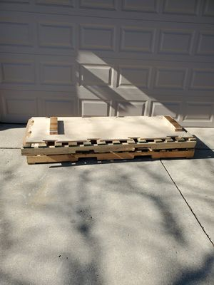 Free pallets for Sale in Hickory Creek, TX