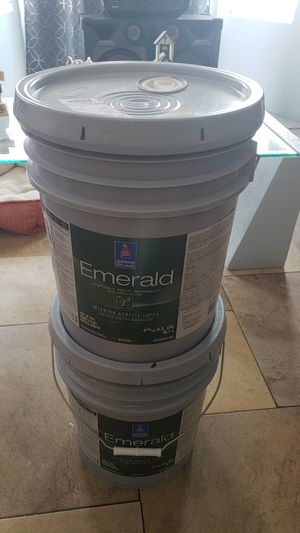 House paint interior acrilic satin color toque white 2 buckets for only $100 firm for Sale in Las Vegas, NV