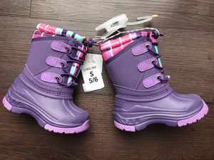 Brand New Cherokee Thermolite toddler Girls Purple Snow Boots 5-6us for Sale in Englewood, CO