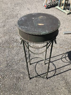Small antique table for Sale in Buckley, WA