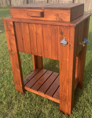 Cedar ice chest for Sale in Hutto, TX