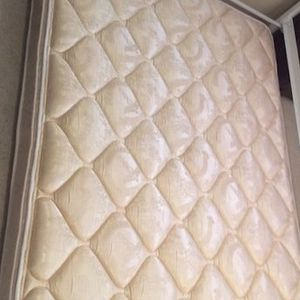 """Full """"GranTree"""" Mattress for Sale in Keizer, OR"""