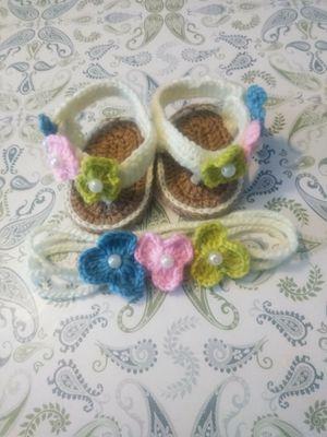 Moda bebé $8 huarachitos tejidos 0-3 meses for Sale in Santa Ana, CA