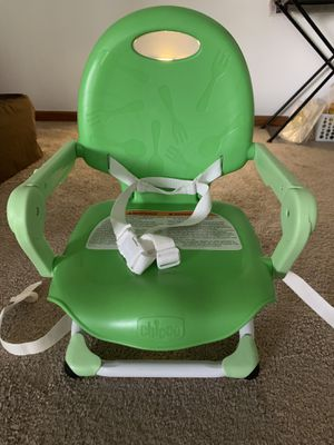 Chicco Pocket Snack Portable Booster Seat for Sale in Des Plaines, IL