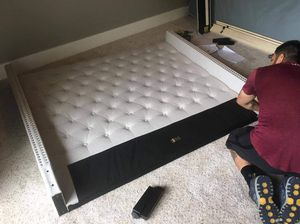 New complete queen bed frame Q / K / CK for Sale in Peoria, AZ