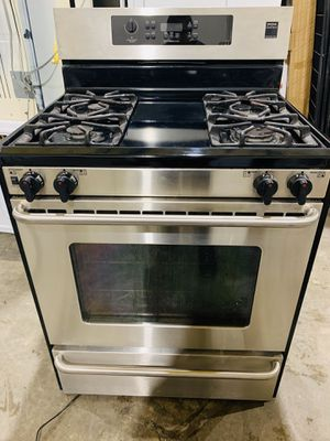 Stove gas stainless steel Frigidaire Gallery for Sale in North Las Vegas, NV