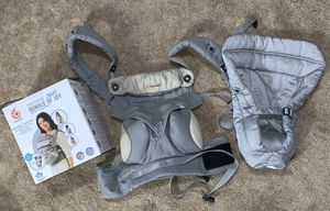 Ergobaby 360 like new baby carrier with infant insert for Sale in North Huntingdon, PA