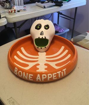 Great dish for Halloween party or handing out candy for Sale in Sebastian, FL