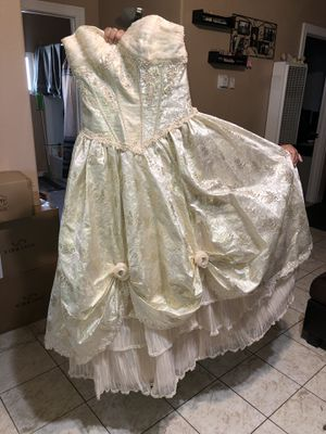 Quinceanera Dress Size 10 for Sale in Fresno, CA