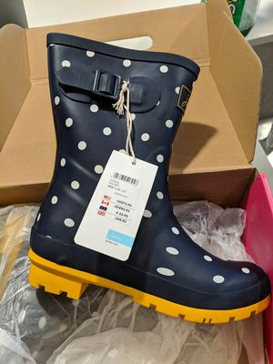 Joule rain boots brand new women's size 5 for Sale in Austin, TX