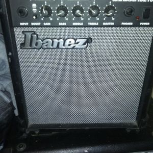 Small Amp For Electric Guitar for Sale in Meriden, CT