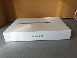 256 GB MacBook Air 13' Model and Beats Solo3 Wireless for Sale in Fresno, CA
