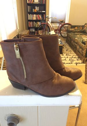 Girls Size 13 Jessica Simpson Cleo Short Brown Boots for Sale in Colorado Springs, CO