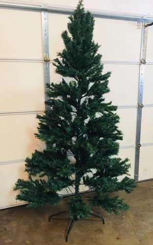 Artificial Christmas Tree- Pre-Lit- 7ft with stand for Sale in El Cajon, CA