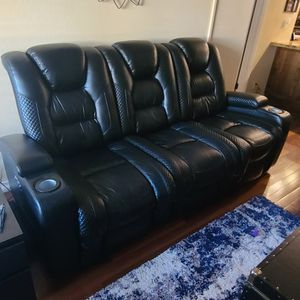Black Leather Reclining Sofa for Sale in San Diego, CA