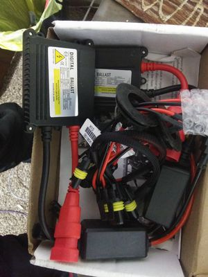 Xenon 35W AC Digital Slim Ballast HID Kit for Sale in Forest City, IA