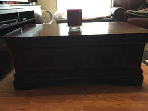 Cherry wood coffee table for Sale in Litchfield Park, AZ