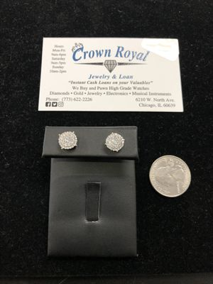 14k Yellow Gold diamond stud earrings for Sale in Chicago, IL