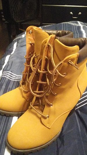 Brand new boots for Sale in Winter Haven, FL