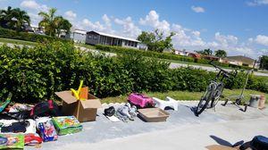GARAJE SALE 111 AV NW 3 TER for Sale in Miami, FL
