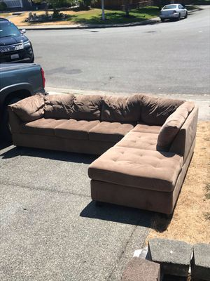 Sectional couch for Sale in Puyallup, WA