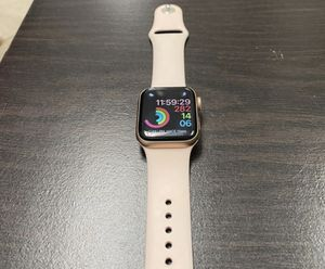 Apple Watch ⌚️ serie 5 👍como nuevo for Sale in San Diego, CA