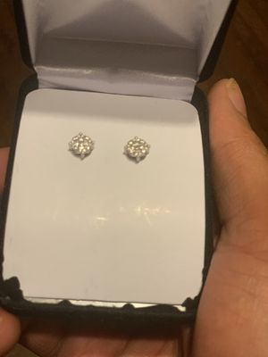 10 kt white Gold Diamond earrings. Flower set real diamonds can be tested for Sale in Cleveland, OH