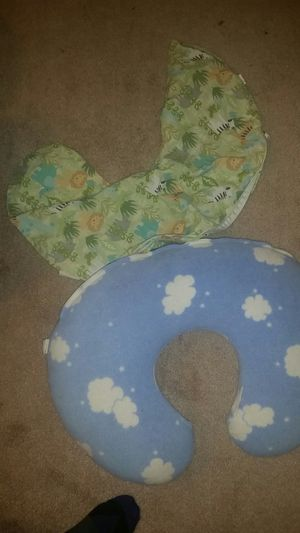 Boppy nursing pillow with 2 cases for Sale in Poway, CA