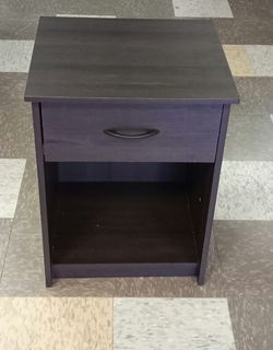 BRAND NEW  Mainstays Classic Nightstand with Drawer, Espresso MainstaysModel: DW96387 for Sale in Marietta, GA