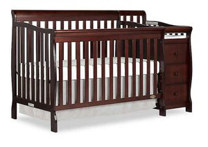 Baby crib with changing table for Sale in Sunrise, FL